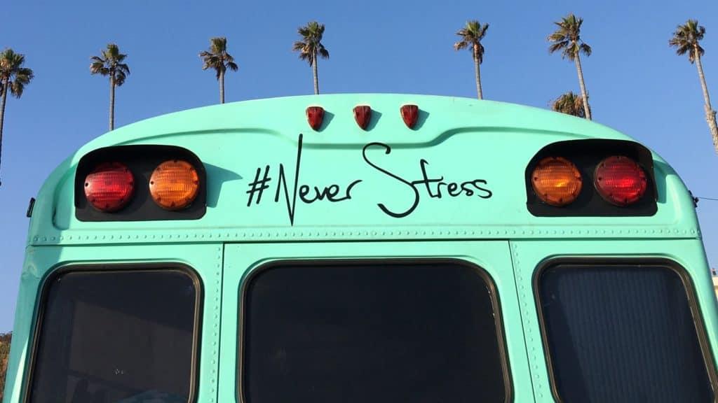 Instagram Hashtags auf grünem Bus