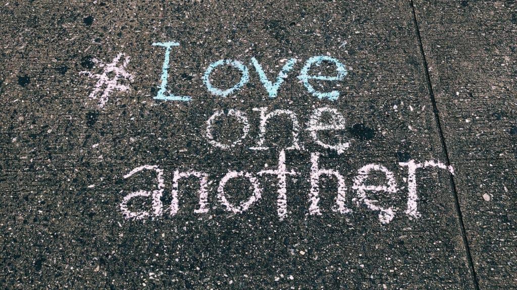 Liebes Hashtag auf der Straße